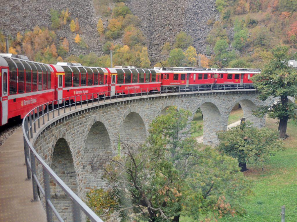 Bernina Express Arquitetura dos trilhos - Suíça