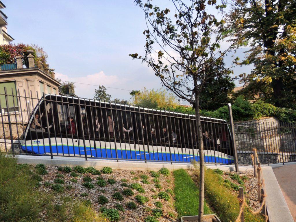 Funicular que liga o centro de Lugano a Estação Ferroviária
