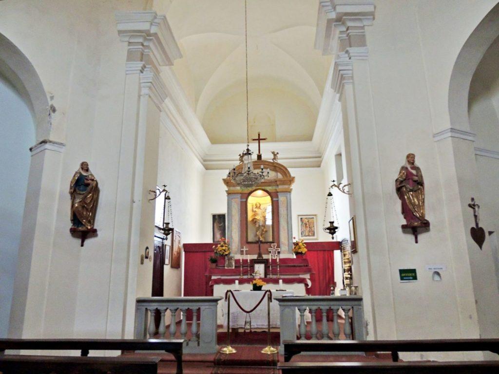Interior da Igrejinha