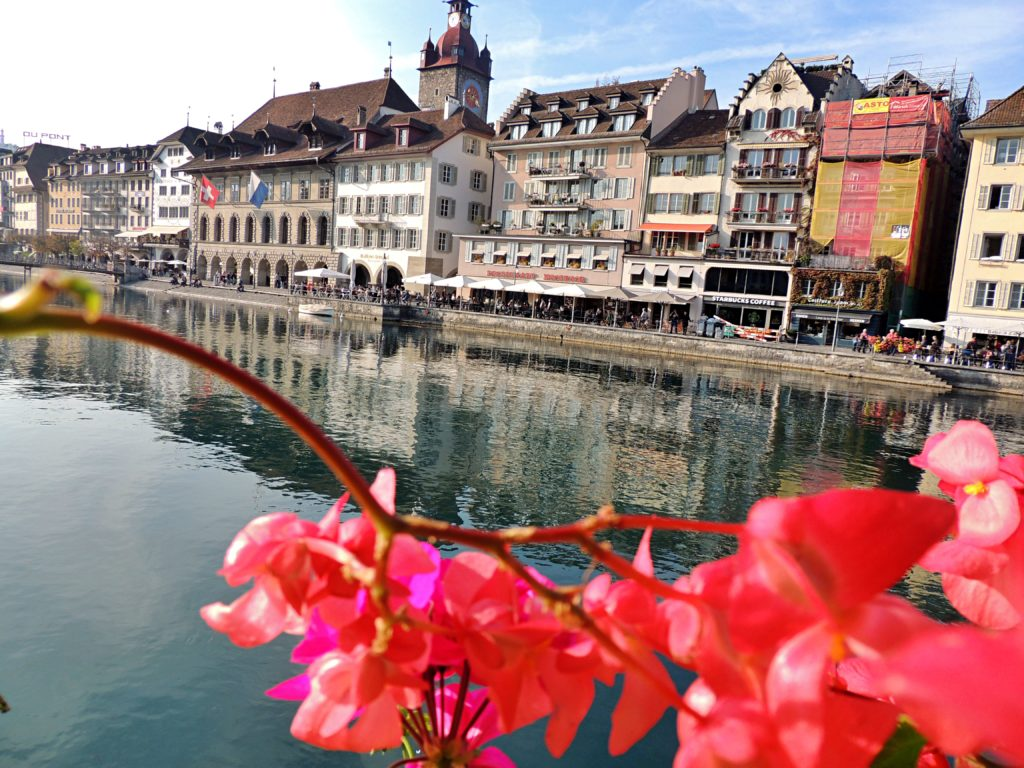 Restaurantes às margens do Lago em Lucerna são um charme à parte