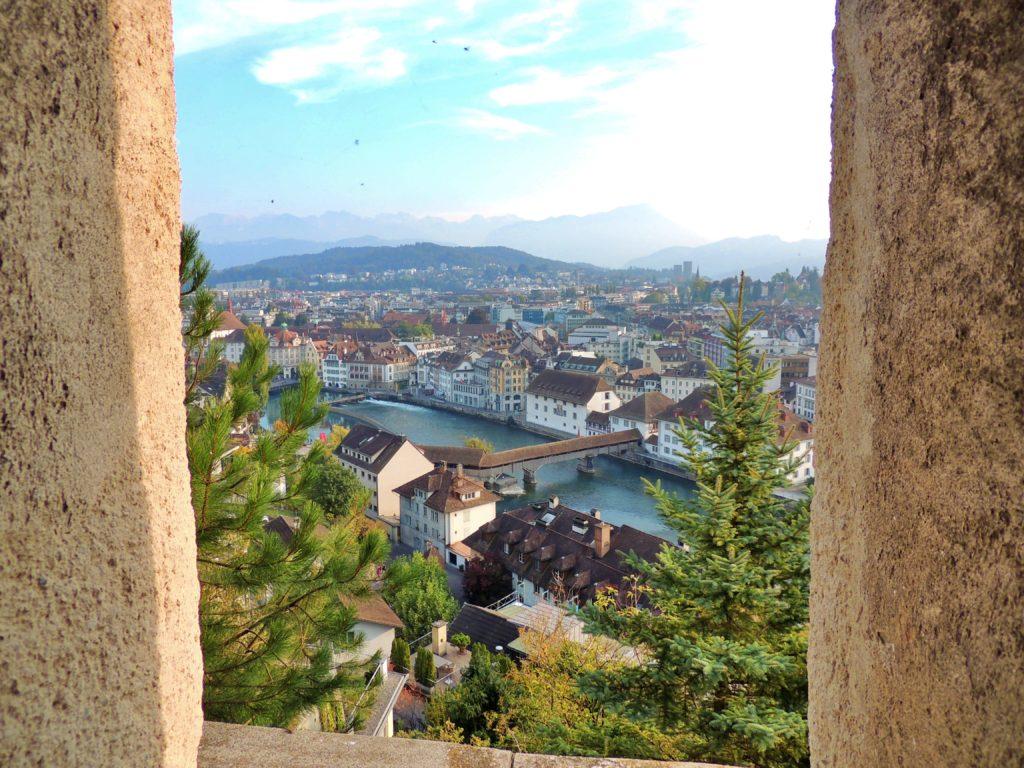 Vista de Lucerna a partir das Muralhas e Torres Musegg
