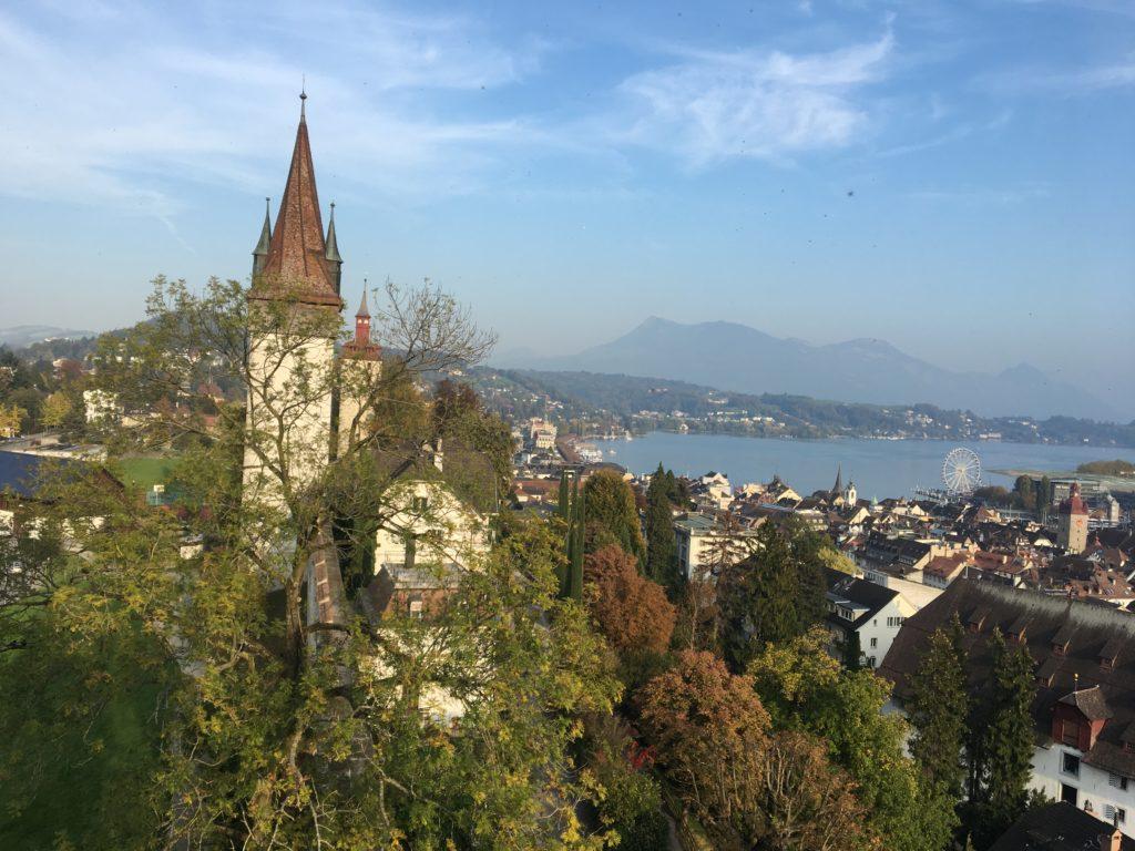 Muralha e Torres Musegg - Contorna boa parte da cidade histórica de Lucerna
