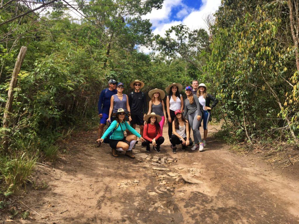 Trilha para Cachoeira de Águas Claras
