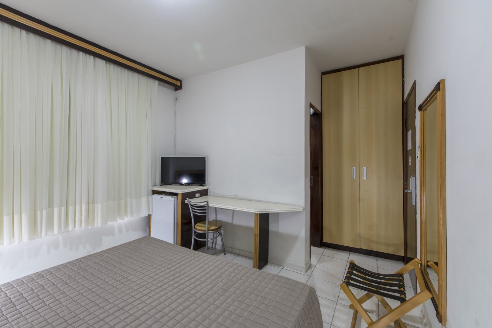 APTO-STANDARD-HOTEL-GUMZ