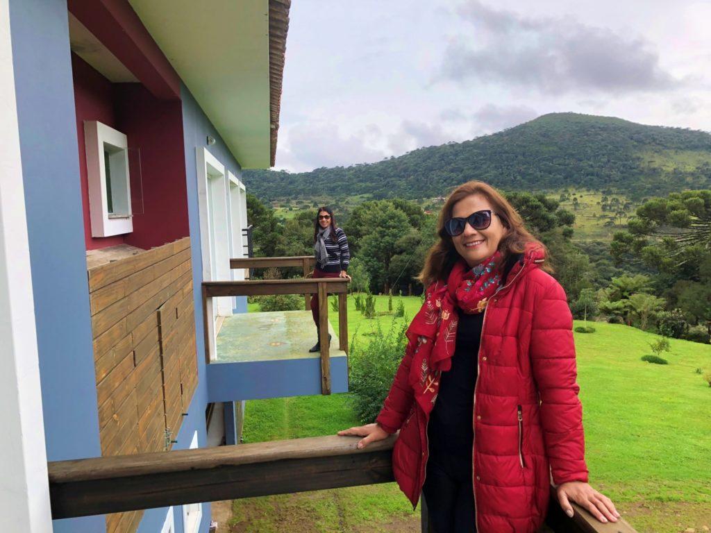 Pousada Cantos e Encantos e suas maravilhosas varandas com vista para as montanhas