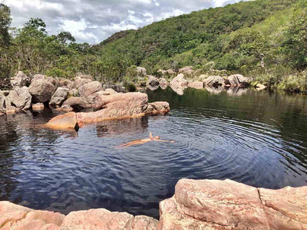 O deslumbrante poço da Cachoeira do Rio Preto