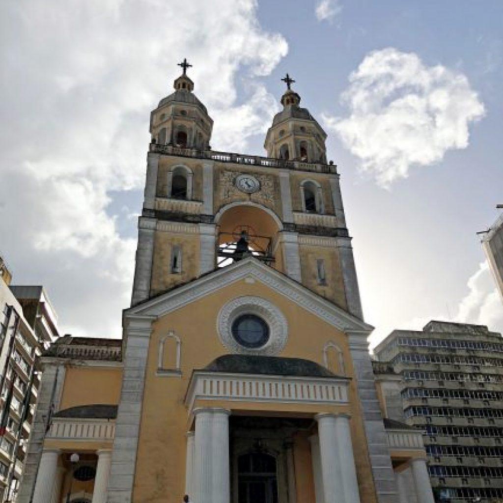 Florianópolis, a Ilha da Magia - Praça XV de Novembro - Catedral Metropolitana