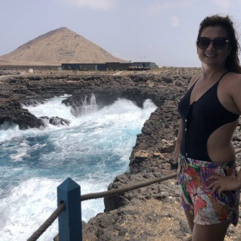 Atração da Ilha do Sal em Cabo Verde - Buracona