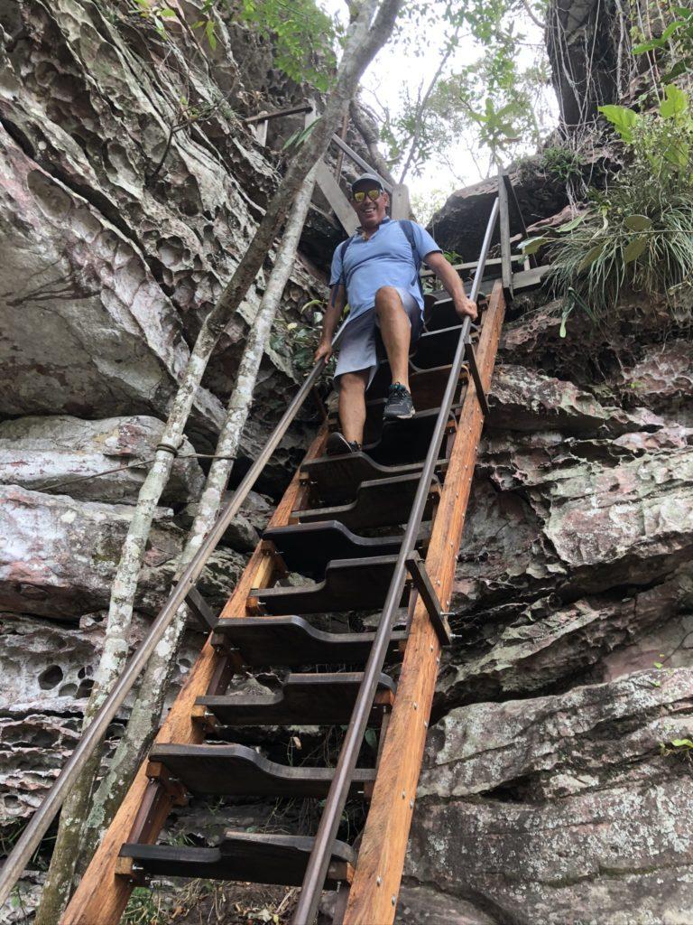 Escada-trilha-Buracao