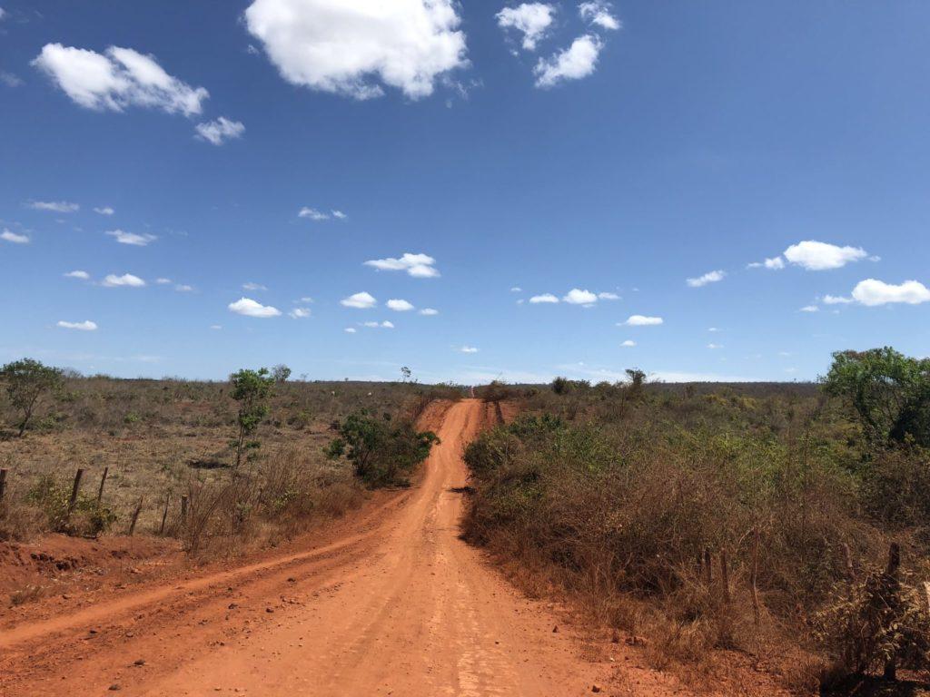 Estradas de terra que levam ao Olho D'água, Poço Azul e Poço Encantado