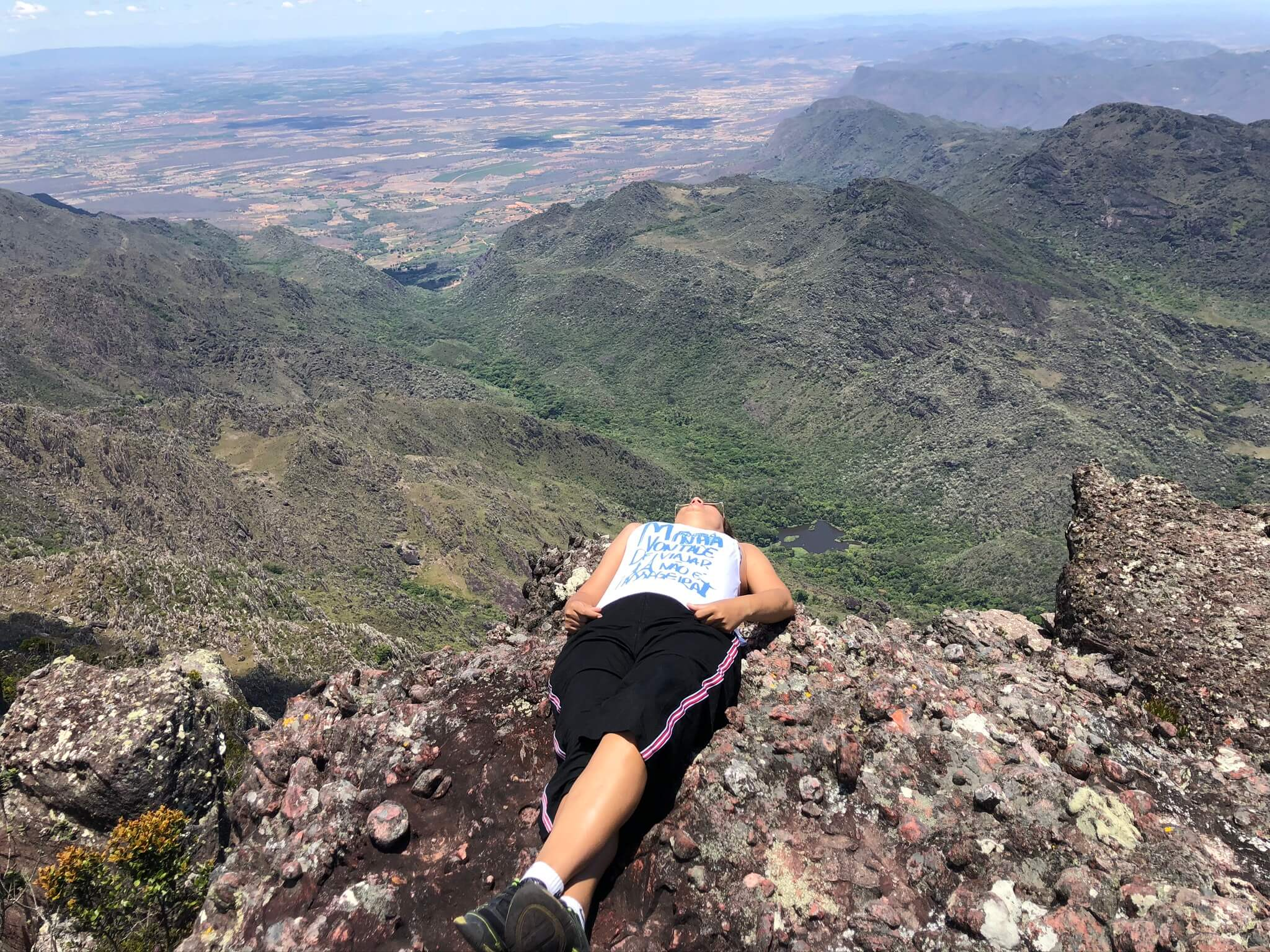 Contemplando a maravilha da natureza no Pico das Almas