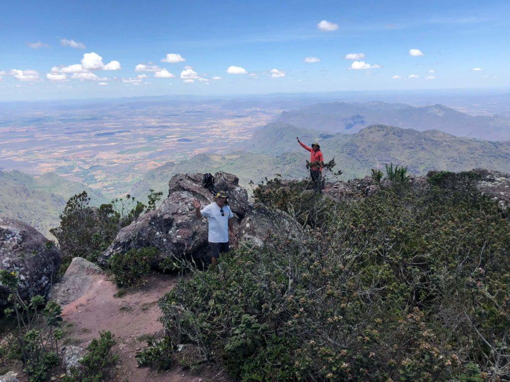 Comemorando a chegada no Pico das Almas