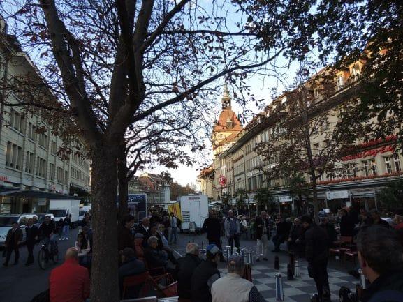 Praça Bärenplatz - concentra muitos bares e restaurantes, ideal para quem busca um lugar para comer.