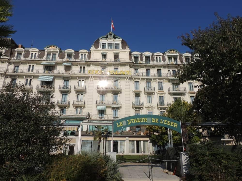 Montreux é uma cidade linda com sua arquitetura, lago e suas montanhas