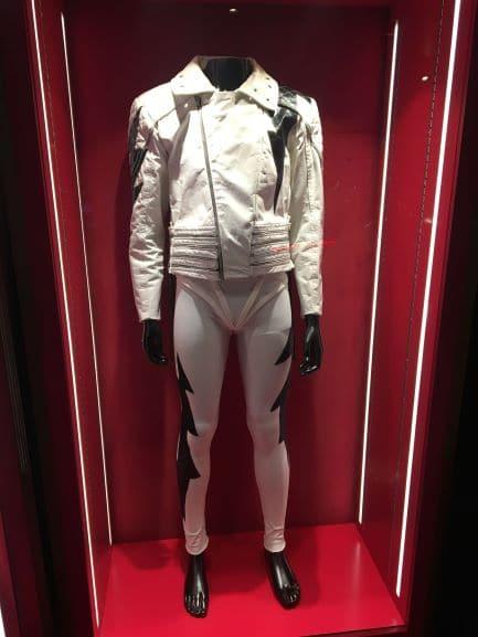 Figurino de Freddie Mercury no Museu The Queen Studio Experience