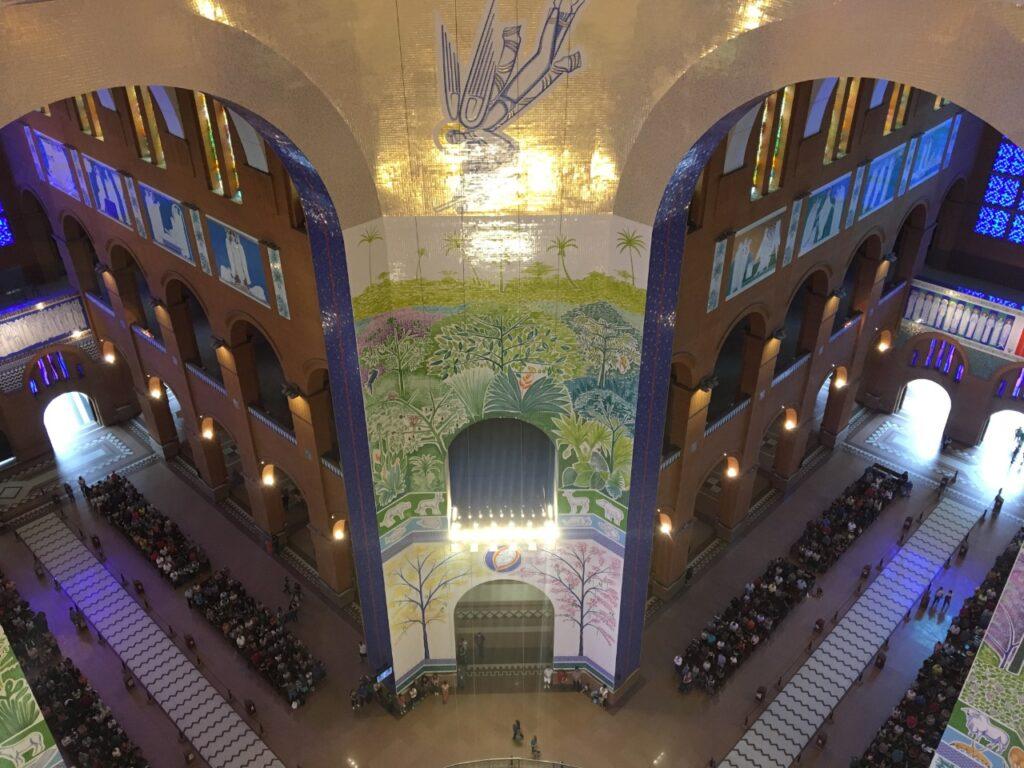 Santuário de Aparecida visto do Tour que dá acesso a Cúpula da Basílica - Nave