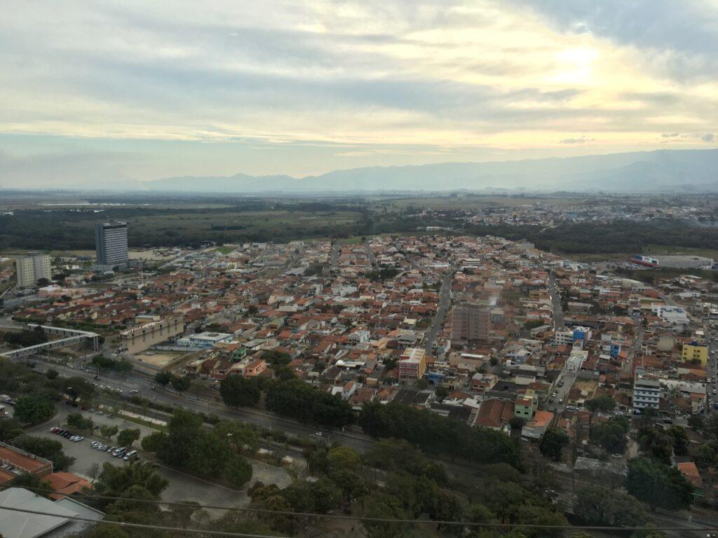 Vista 360 graus do Mirante no 18 andar da Torre do Santuário de Aparecida