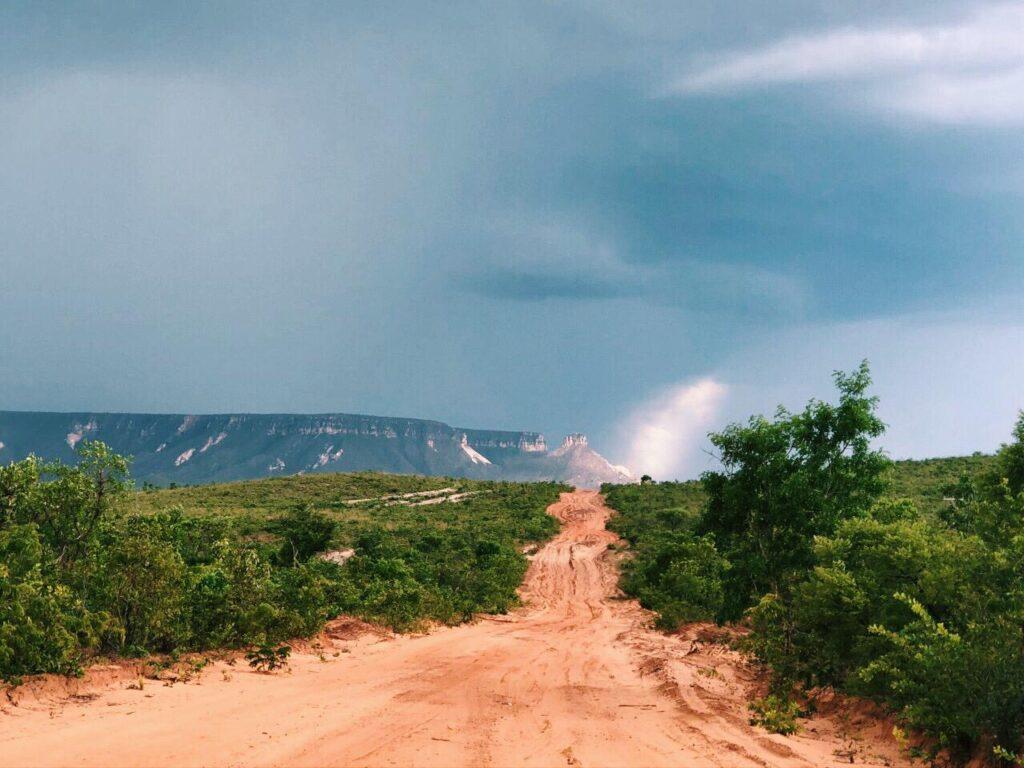 A caminho das Dunas do Jalapão da para avistar a beleza da Serra do Espirito Santo e Morro do Saca Trapo