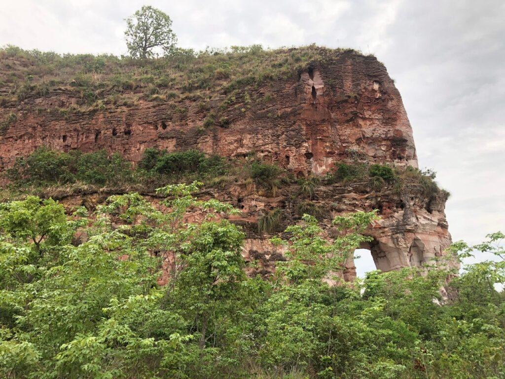 Pedra Furada, Jalapão, Tocantins está localizada a 35 Km de Ponte Alta do Tocantins