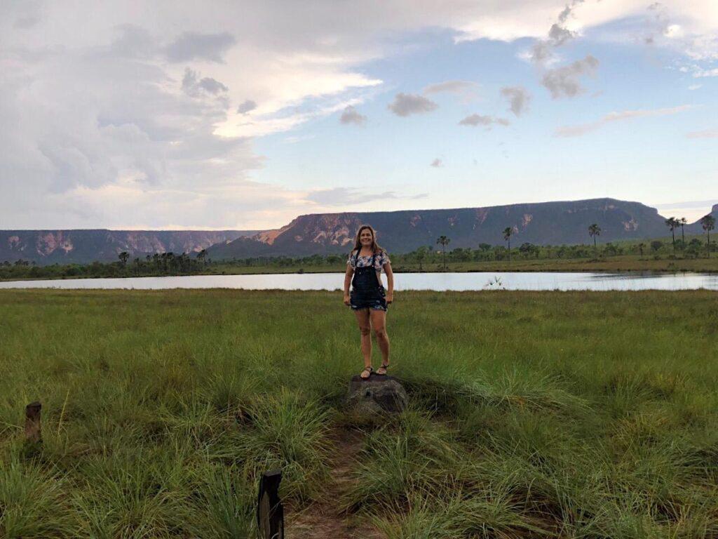Na Lagoa do Jacaré, paramos para observar as Dunas do Jalapão e Serra do Espirito Santo