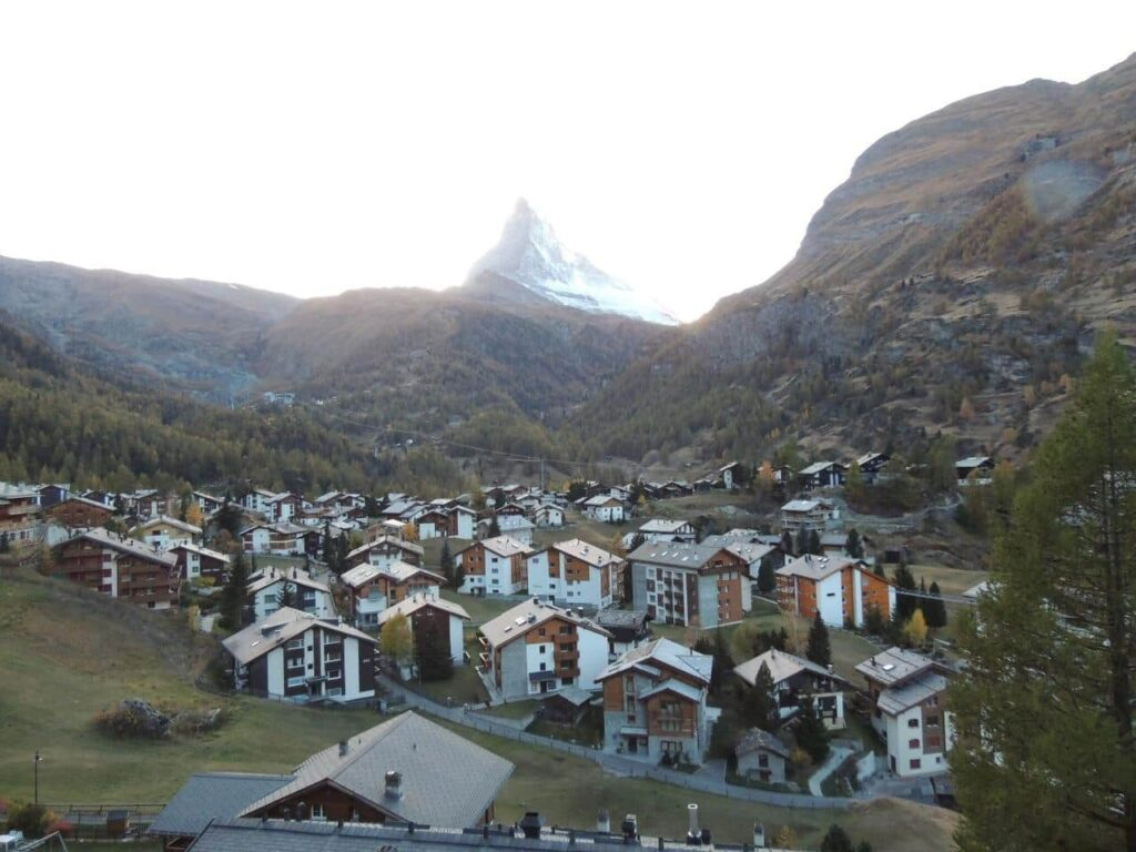 O que faz a Vila de Zermatt ser tão especial?