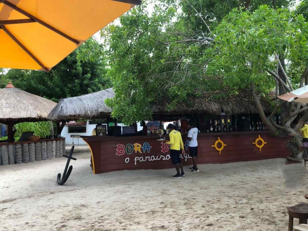 Praia dos Carneiros, day use no Restaurante Bora Bora