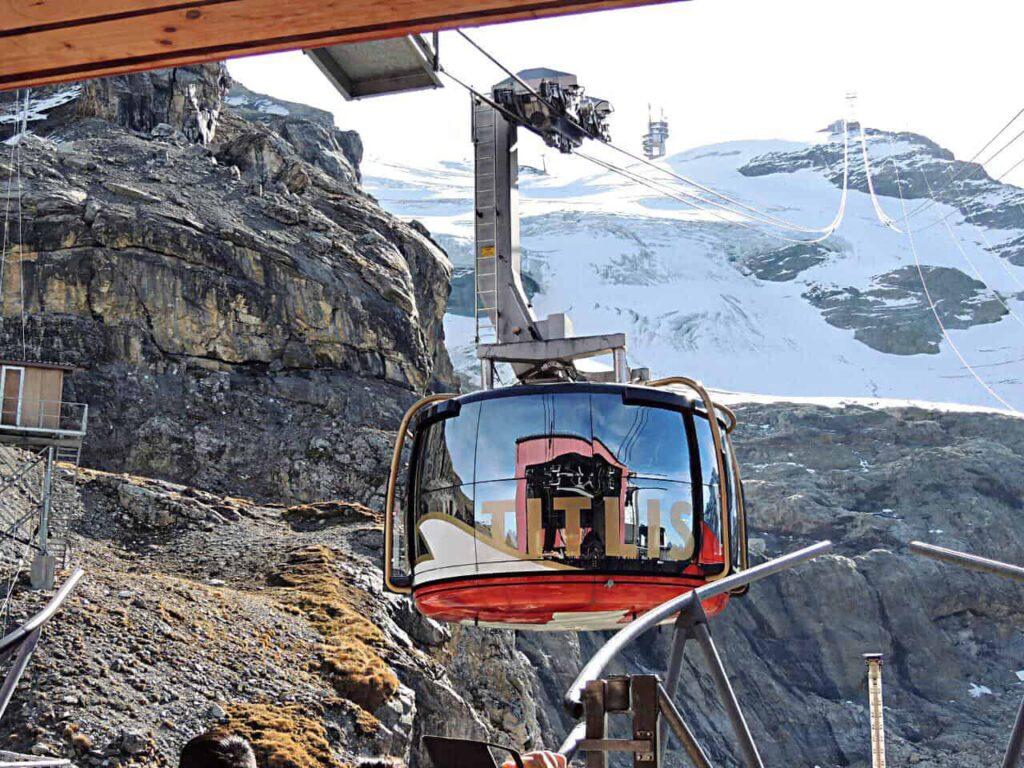 Um dos teleféricos mais incríveis do mundo - Monte Titlis