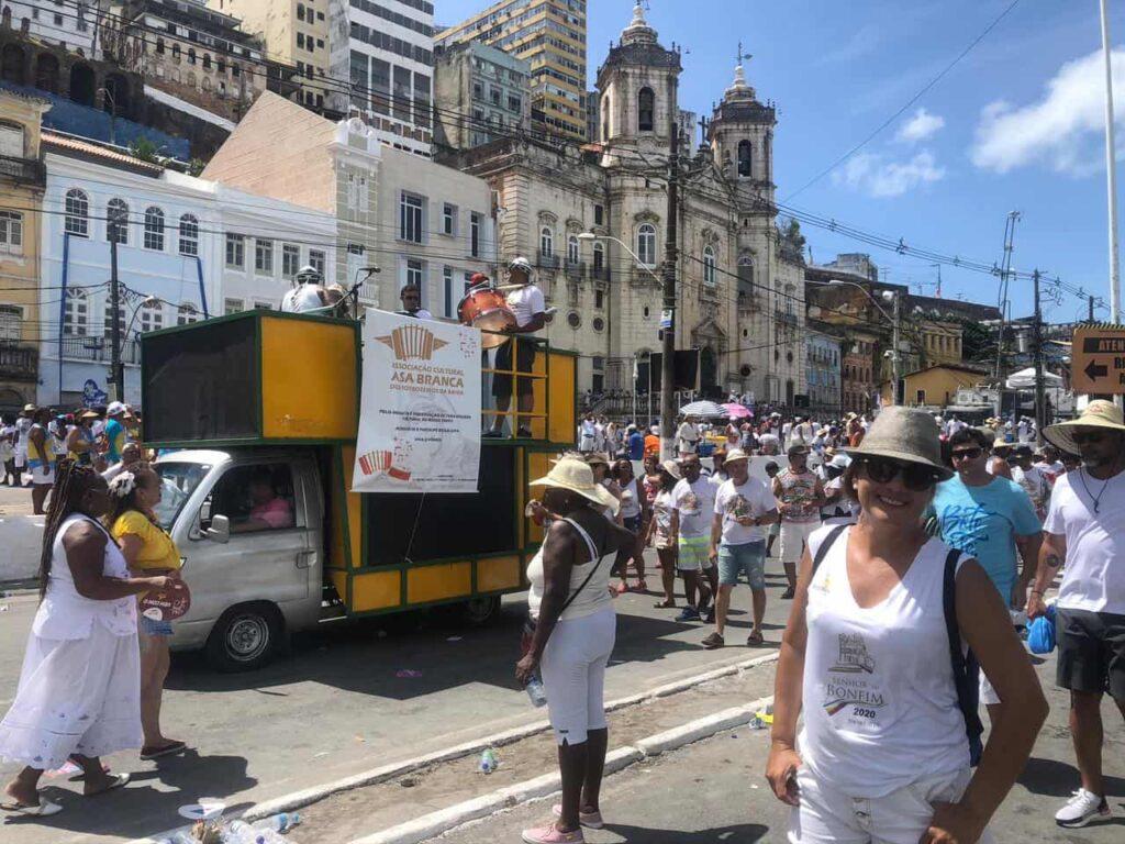 Igreja do Bonfim e a sua tradicional lavagem - saída da Igreja da Conceição