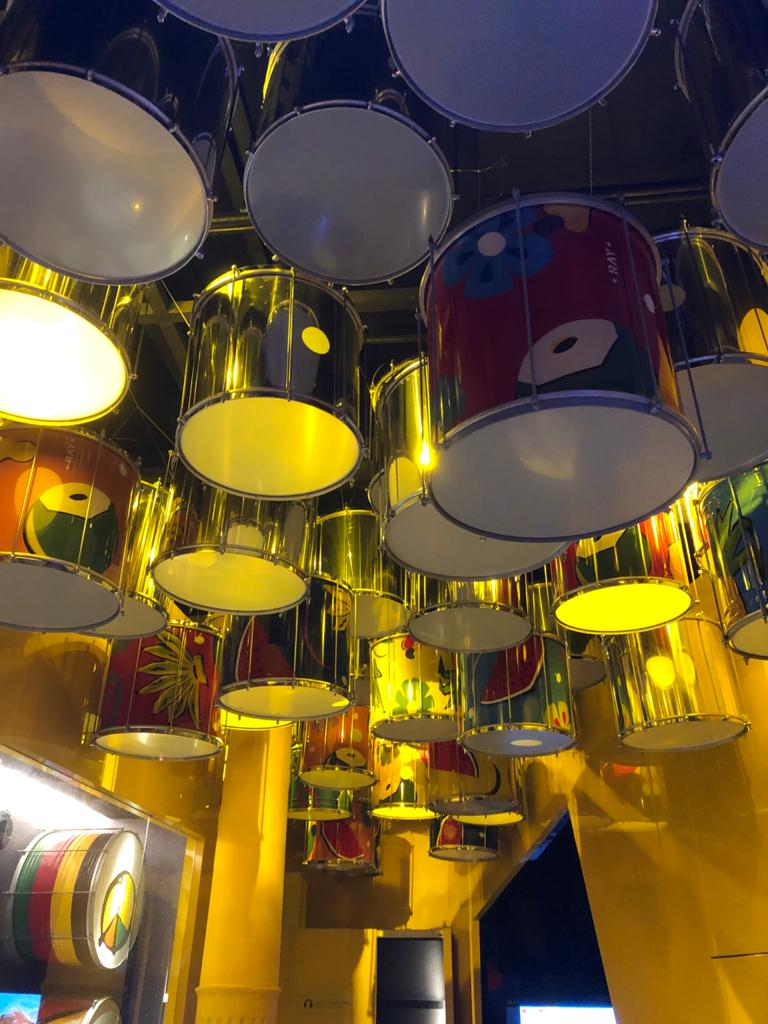 Casa do Carnaval em Salvador Bahia é Museu da folia baiana - Instrumentos cedidos por artistas