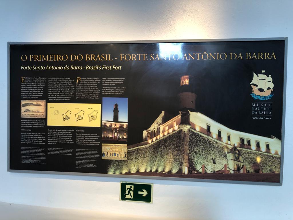 Farol da Barra e Museu Náutico ficam localizados no Forte de Santo Antônio da Barra, em Salvador Ba - Cartões postais e muita história da cidade e do Brasil