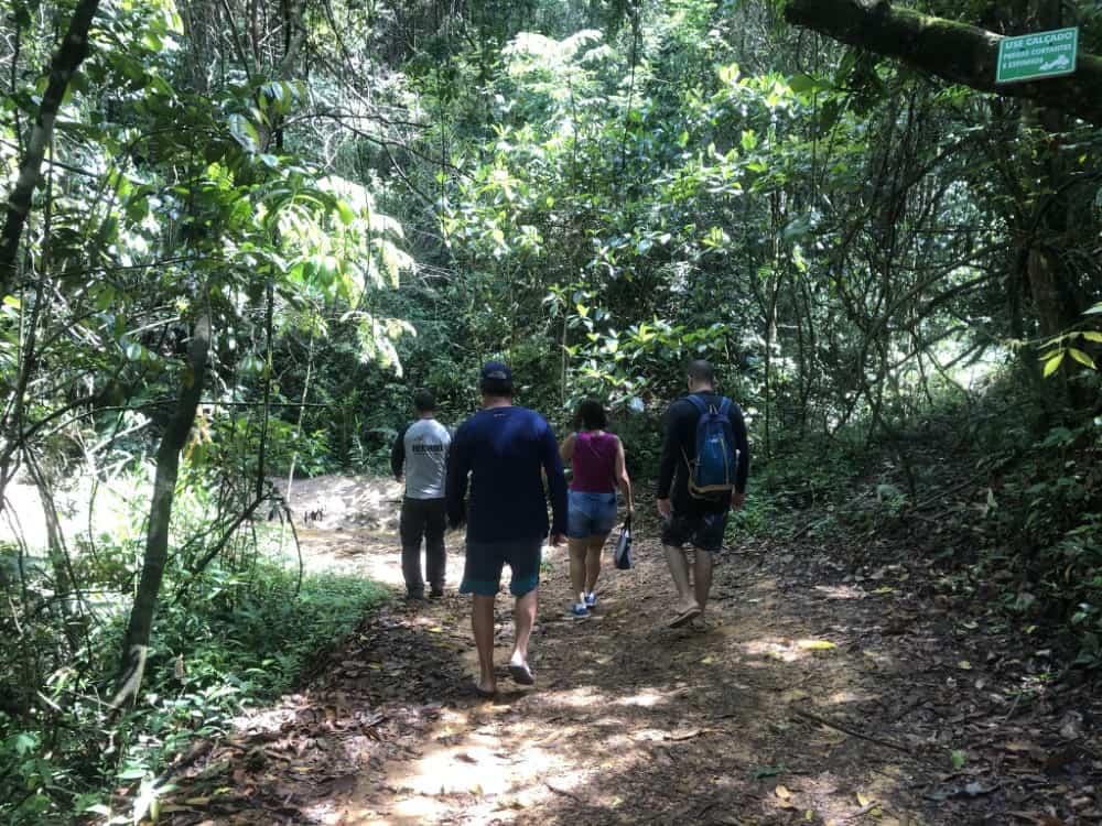 A Cachoeira da Chinela é uma atração da Serra da Canastra. A Serra da Canastra é uma rica região em ecoturismo e está localizada em Minas Gerais no Parque Nacional da Serra da Canastra