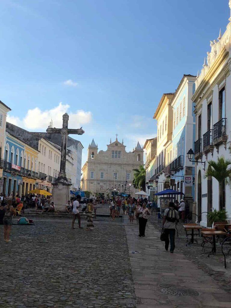 Largo do Cruzeiro, em frente a Igreja de São Francisco no Pelourinho