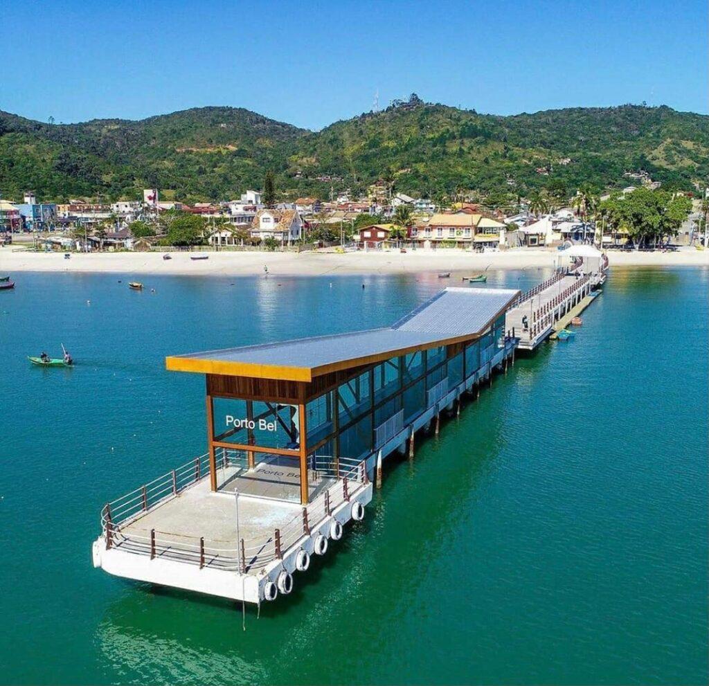 Porto Belo SC e sua belas praias na Costa Esmeralda - Pier na Praia de Porto Belo
