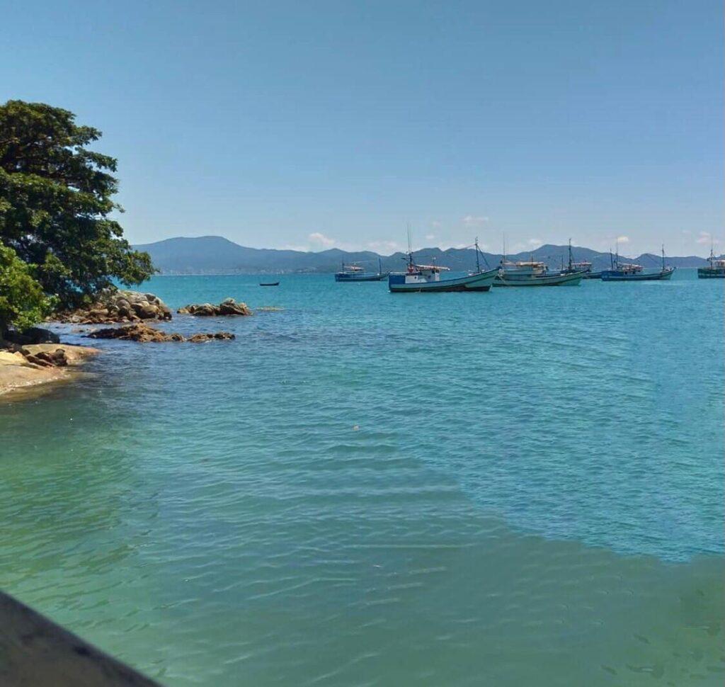 Porto Belo SC e sua belas praias na Costa Esmeralda - Praia de Araça