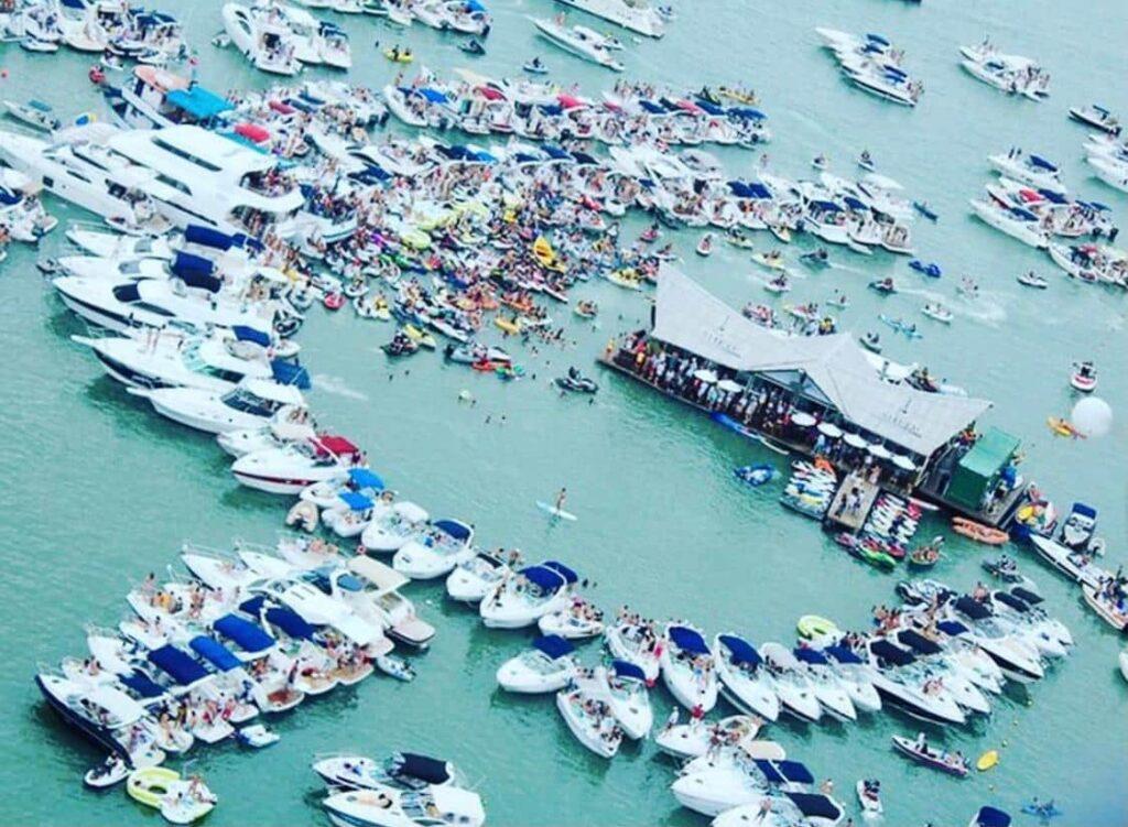 Porto Belo SC e sua belas praias na Costa Esmeralda - Praia do Caixa Daço
