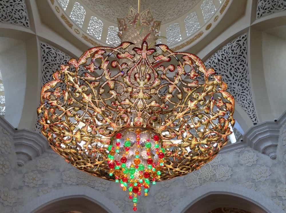 O que fazer na capital dos Emirados Árabes - Conhecer a Grande Mesquita de Abud-Dhabi