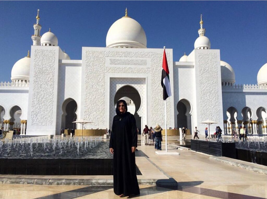 O que você precisa saber antes de embarcar - Hábitos e costumes dos Emirados Árabes