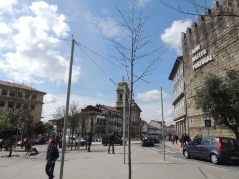 A cidade de Guimaraes é conhecida como o berço de Portugal- Largo do Toural